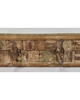 Drevený panel s háčikmi zložený zo starých rezieb, 92x10x13cm