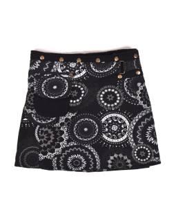 Krátka fleecová sukňa zapínaná na patentky, Mandala dizajn, čierna, kapsička