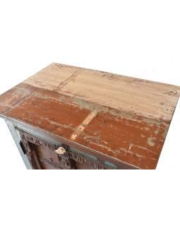 Skrinka z tekového dreva s pôvodnými dvierkami, 68x43x119cm