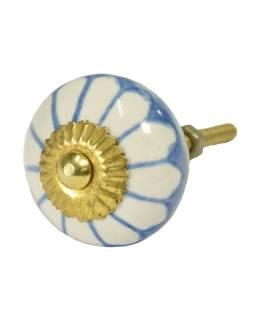 Maľované porcelánové madlo na šuplík, svetlo modrej, biela kvetina, priemer 3,7 cm