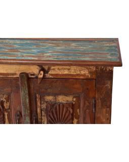Komoda z teakového dreva, ručne vyrezávaná dvierka, 66x39x75cm