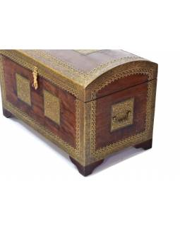 Truhla z palisandrového dreva zdobená mosadzným kovaním, 70x39x45cm