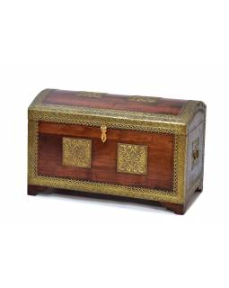 Truhla z palisandrového dreva zdobená mosadzným kovaním, 55x35x40cm