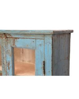 Presklená skrinka z teakového dreva, tyrkysová patina, 79x33x131cm