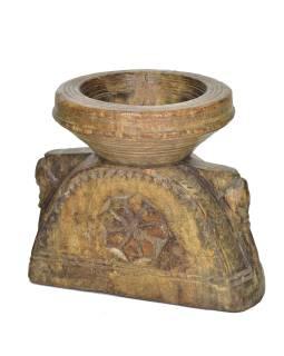 Drevený svietnik zo starej hlavice stĺpu, 23x17x21cm