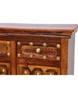Komoda z palisndrového dreva zdobená mosadzným kovaním, 120x40x90cm