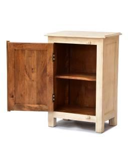 Nočný stolík vyrobený z mangového dreva, ručne vyrezávaný, 54x33x74cm
