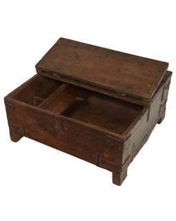 Stará truhlička - šperkovnica z teakového dreva, 39x38x20cm