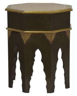 Stolička z akáciového dreva, zdobená mosadzným kovaním, 45x45x56cm