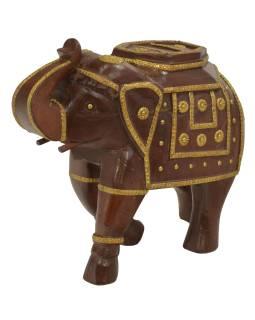 Drevený slon zdobený mosadzným kovaním, 33x13x29cm