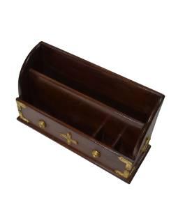 Ozdobný drevený zakladač zdobený mosadzným plechom, 38x14x23cm