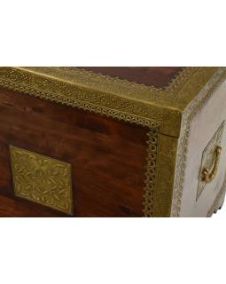 Truhla z palisandrového dreva zdobená mosadzným kovaním, 90x48x56cm