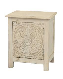 Nočný stolík, biela patina s vyrezávanými dvierkami z mangového dreva, 50x38x59cm