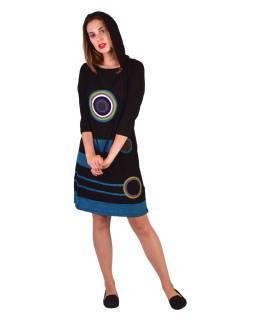 Krátke šaty, 3/4 rukáv, čierne, farebné kruhy, modré pruhy, kapucňa