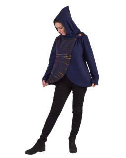 Modrý fleecový kabát s kapucňou zapínanie na gombík, dve vrecká, batika