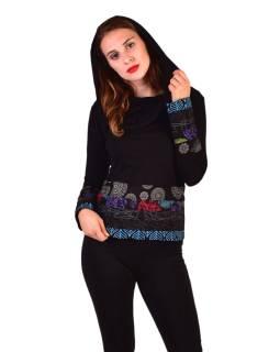 Čierne tričko, dlhý rukáv, pruhy s potlačou, golier