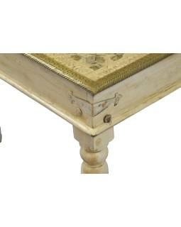 Stolček z mangového dreva, zdobený mosadzným kovaním, so sklom, 60x60x44cm