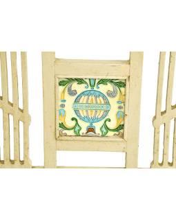 Stará lavička z teakového dreva, zdobená dlaždicami, biela patina, 143x55x87cm