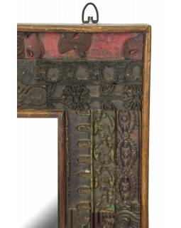 Zrkadlo v ráme z teakového dreva zdobené starými raznicami, 63x4x94cm