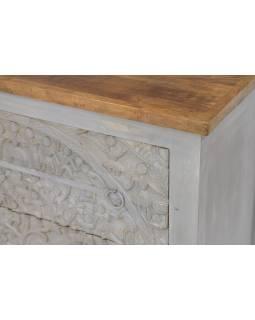 Komoda z mangového dreva, ručne vyrezávané šuplíky, biela patina, 83x43x90cm