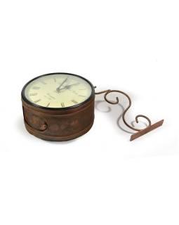 Obojstranné závesné hodiny, bronz., Kvetinový motív, zdobený mosadzný plech, 22cm