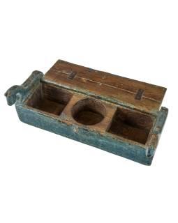 Starožitná tuhlička z teakového dřeva, reliefy koňů, železné kování, 45x12x17cm