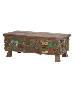 Dřevěná truhla z mangového dřeva zdobená starými řezbami, 122x61x48cm