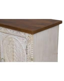 Komoda z mangového dřeva, ručně vyřezávaná, bílá patina, 123x40x76cm