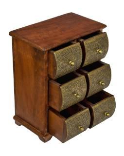 Dřevěná skříňka se 6 šuplíky, tepaná mosazí, 22x15x27cm