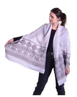 Luxusní šál z kašmírové vlny, světle šedo-béžový s jemným vzorem a proužky