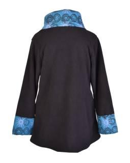 Čierno-tyrkysový fleecový kabát s potlačou zapínaný na gombík, výšivka, vrecká