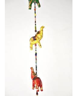 Dekorácia na zavesenie, päť slonov sa zvončekom, ručne maľované, dĺžka 90cm