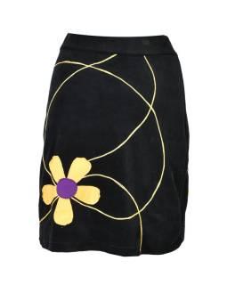 Krátka čierna zamatová sukňa, aplikácia farebné kvety