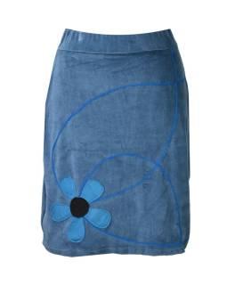 Krátka modrá zamatová sukňa, aplikácia farebné kvety