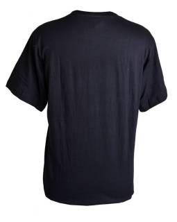Čierne tričko s krátkym rukávom, potlač motlitební vlajočky